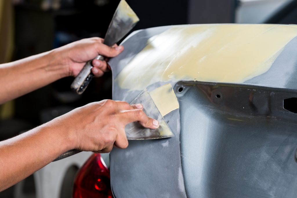 Hinzman Auto Repair & Refinish offers auto body repair services in Elkins, WV